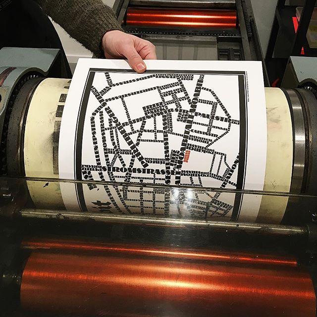 Straßenkarte von Berlin, gedruckt mit einer Nylonplatte mit haftender Rückseite