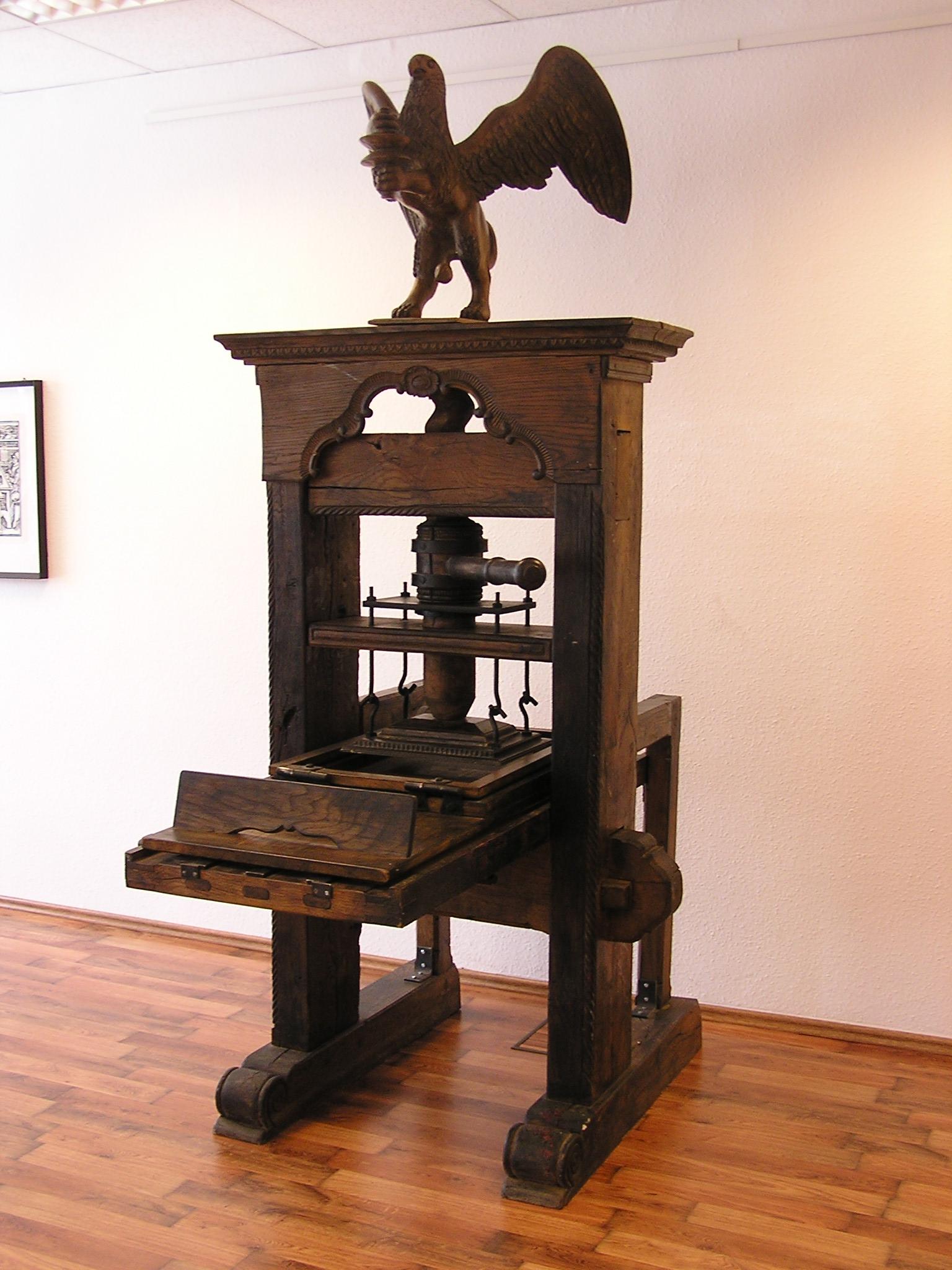 Riproduzione di una pressa a vite. L'originale risale al 1740. Foto: Museo dell'arte tipografica di Lipsia