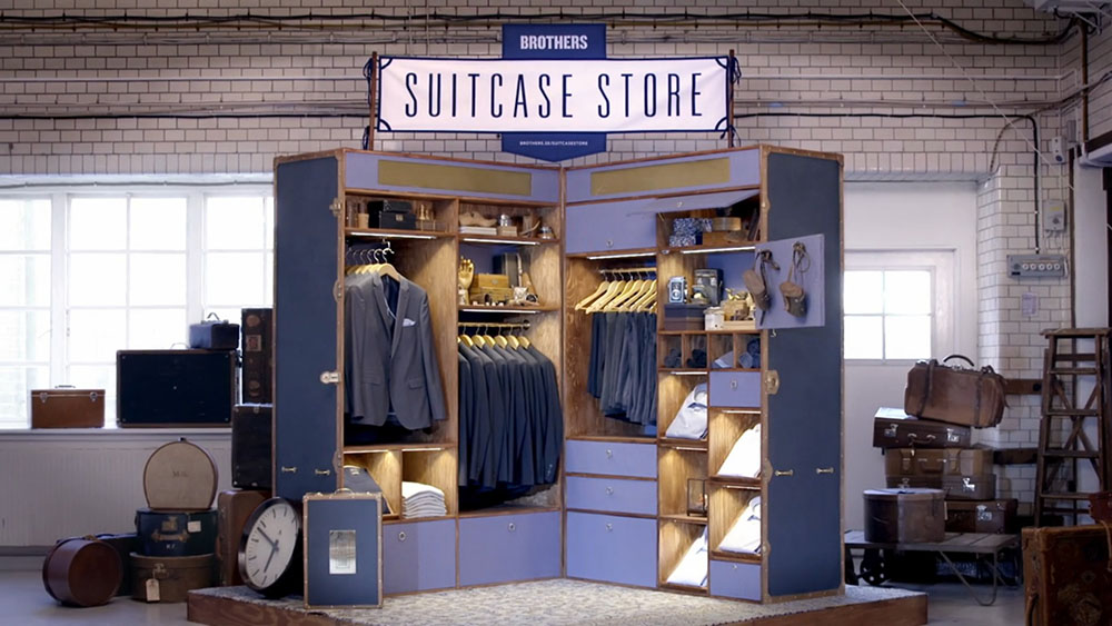 A giant suitcase was used for this pop-up Brothers shop in Sweden. Copyright: www.trendland.com
