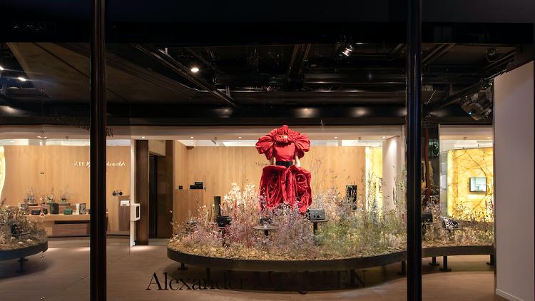 Pop-up-store-Alexander-McQueen